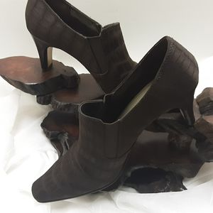 BROWN TEXTURED FABRIC ANKLE BOOT 8.5